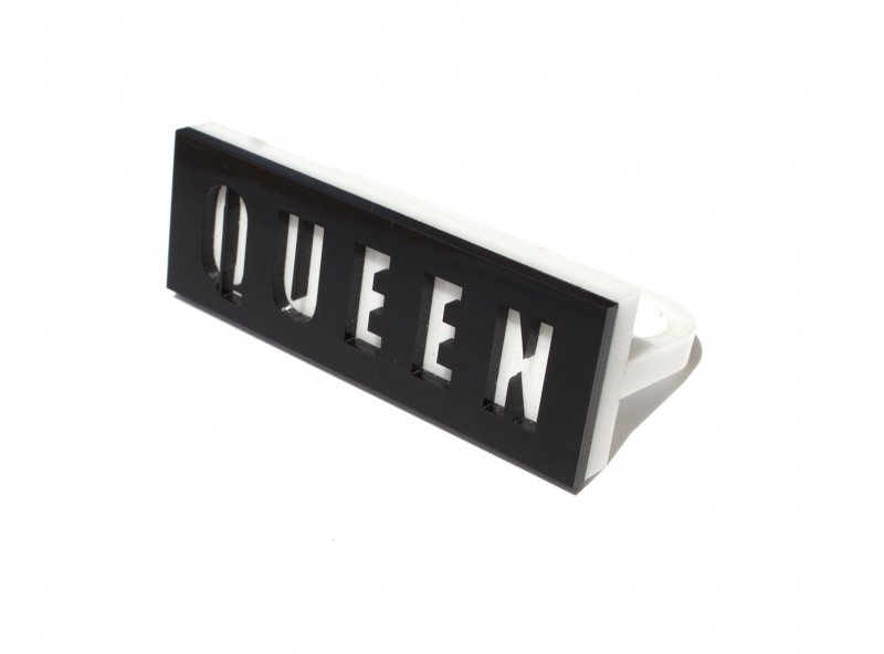 Black & White QUEEN Knuckle Ring